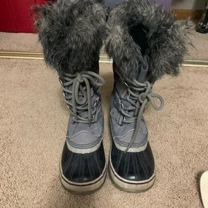 Sorel Joan of Arctic size 7.5 gray boots